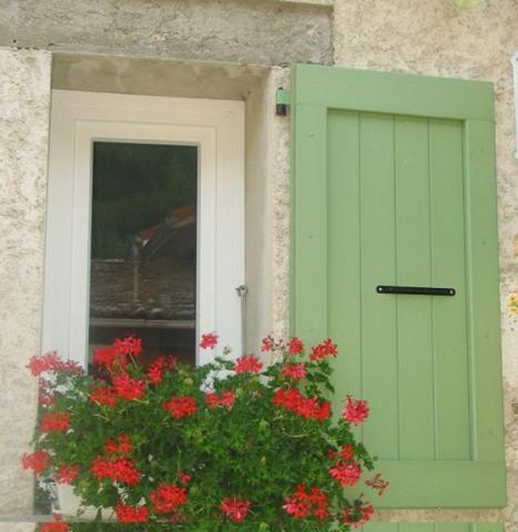 Fensterläden-nomawood-bl6_antilles_green-Frankreich